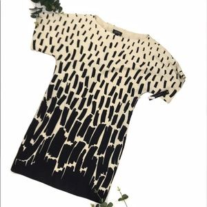 TAHARI | Cream & Black Patterned T-shirt Dress